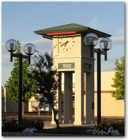 Picture of clocktower in downtown Yakima